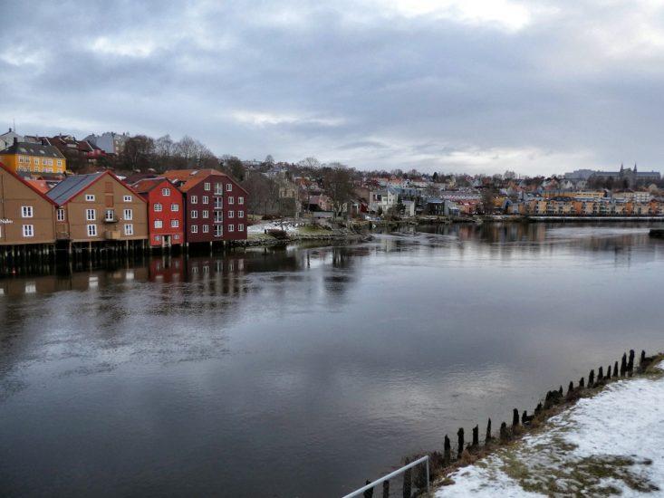 Il fiume Nidelva che attraversa Trondheim