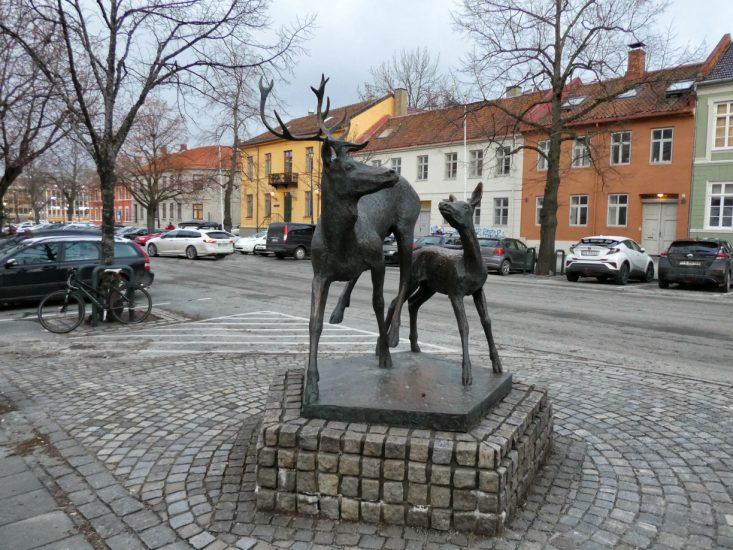 Monumento dedicato al cervo nobile a Trondheim