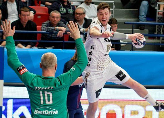 Pallamano Champions League: un tiro di Niclas Ekberg (Kiel)